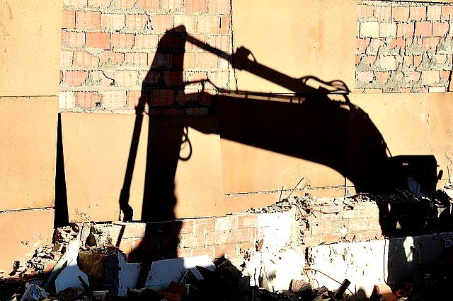 Pourquoi faire appel à une entreprise de démolition ?