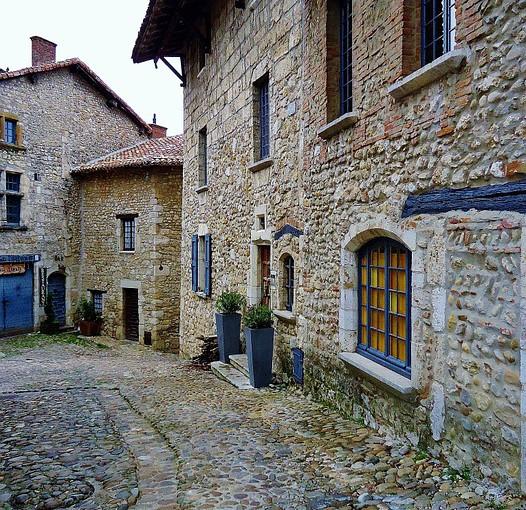 Visitez les plus beaux villages médiévaux de France